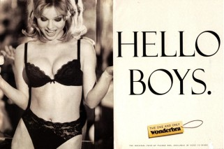 Wonderbra: Cleavage and Heteronormative mass marketing= apparent success!